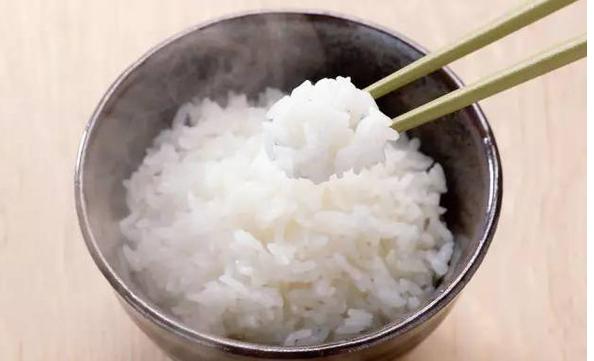 做好的沥米饭